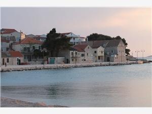 Huis Kokolo Primosten, Kwadratuur 40,00 m2, Lucht afstand tot de zee 100 m, Lucht afstand naar het centrum 55 m