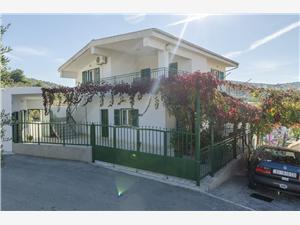 Апартаменты Nediljka Dolac, квадратура 70,00 m2, Воздуха удалённость от моря 150 m