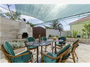 Maison Jaka Sumartin - île de Brac, Maison de pierres, Superficie 102,00 m2, Hébergement avec piscine