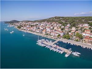 Appartementen Ivan Noord-Dalmatische eilanden, Kwadratuur 90,00 m2, Lucht afstand naar het centrum 200 m
