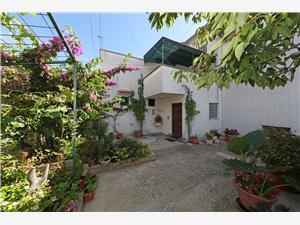 Appartementen Anita , Kwadratuur 30,00 m2, Lucht afstand naar het centrum 300 m