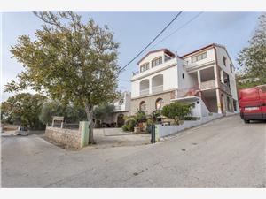 Appartamenti Ivan Starigrad Paklenica, Dimensioni 32,00 m2, Distanza aerea dal centro città 300 m