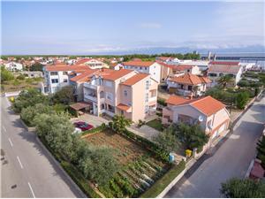 Appartementen Lenka Vrsi (Zadar), Kwadratuur 44,00 m2, Lucht afstand tot de zee 200 m