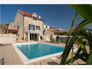 вилла Romantic Oстрова Средней Далмации, Каменные дома, квадратура 90,00 m2, размещение с бассейном