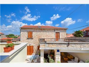 Дом Marija голубые Истрия, Каменные дома, квадратура 120,00 m2, Воздух расстояние до центра города 200 m
