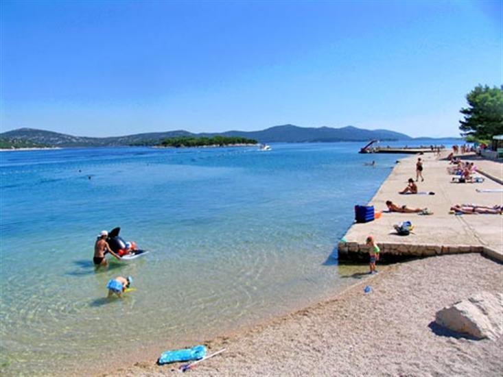 Lučica-Jezera (otok Murter)