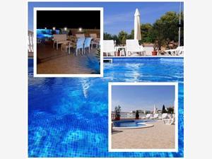 Kwatery z basenem Ivan Arbanija (Ciovo),Rezerwuj Kwatery z basenem Ivan Od 326 zl