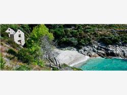Žukamice Komiza - wyspa Vis Plaža