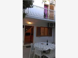 Appartementen Restović Bol - eiland Brac,Reserveren Appartementen Restović Vanaf 102 €