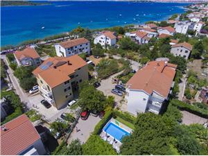 Apartmány Ivan Srima (Vodice), Rozloha 60,00 m2, Ubytovanie sbazénom, Vzdušná vzdialenosť od mora 250 m