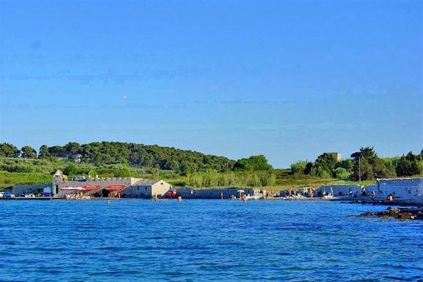 Bilin-Zal-Lumbarda-Dalmatia-Croatia