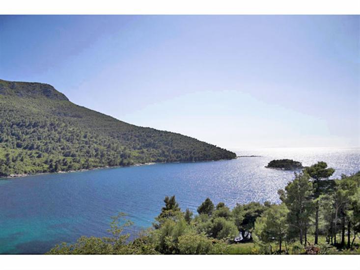 Vucine-Zuljana-Dalmatia-Croatia
