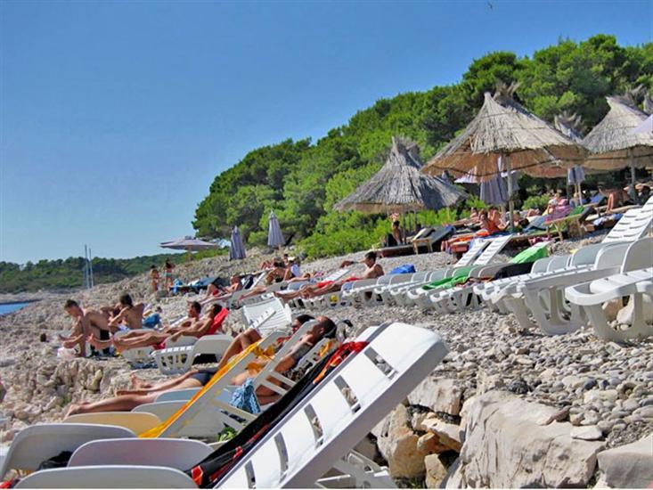 stipanska-beach-pakleni-islands-hvar-dalmatia-Croatia