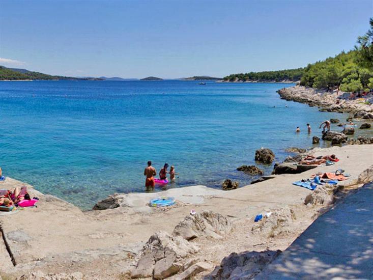 Iza-Andrije-Tisno-Dalmatia-Croatia