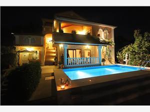 Apartamenty Barbara Lovran, Powierzchnia 70,00 m2, Kwatery z basenem, Odległość od centrum miasta, przez powietrze jest mierzona 550 m