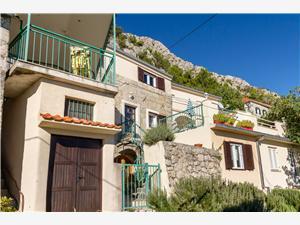 Maison de pierres Split et la riviera de Trogir,Réservez Ivana De 219 €