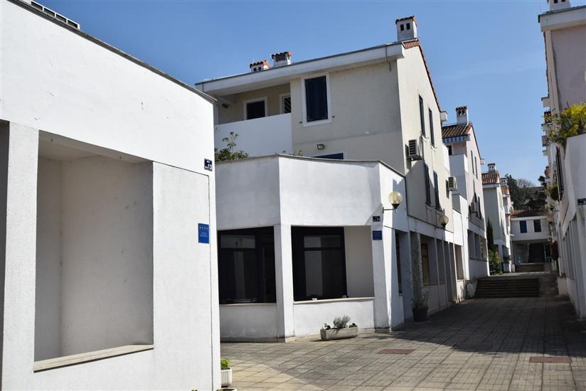 Apartment Dub