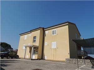 Апартаменты Mirela Njivice - ostrov Krk,Резервирай Апартаменты Mirela От 120 €