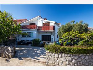 Apartmaj Rene Krk - otok Krk, Kvadratura 70,00 m2, Oddaljenost od centra 700 m