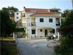 Beachfront accommodation Split and Trogir riviera,Book Biljana From 110 €