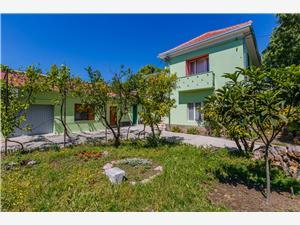 Appartementen Jelen Kastel Stari, Kwadratuur 105,00 m2, Lucht afstand tot de zee 100 m, Lucht afstand naar het centrum 150 m