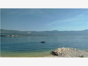 Ferienwohnungen Anita Arbanija (Ciovo), Größe 80,00 m2, Luftlinie bis zum Meer 15 m