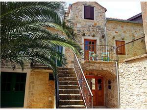 Appartamenti Aleksandra Vrboska - isola di Hvar,Prenoti Appartamenti Aleksandra Da 76 €