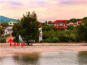 Ferienwohnung Goran Drace, Größe 55,00 m2, Luftlinie bis zum Meer 80 m, Entfernung vom Ortszentrum (Luftlinie) 400 m