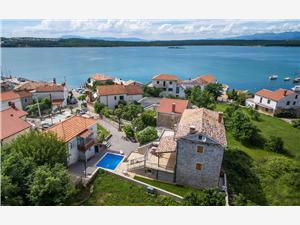 размещение с бассейном Кварнерский остров,Резервирай Klimno От 182 €