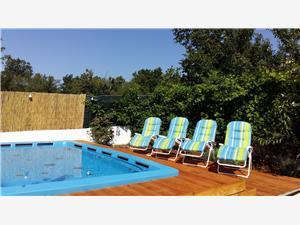 Namestitev z bazenom Boris Sinj,Rezerviraj Namestitev z bazenom Boris Od 156 €