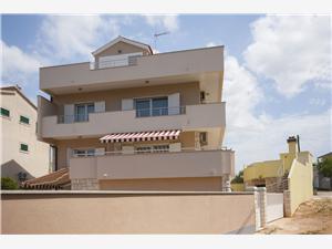 Appartementen Šime Zaboric (Sibenik),Reserveren Appartementen Šime Vanaf 117 €
