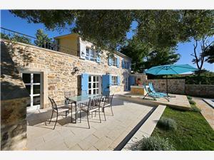 Villa RUSTICA Vir - ön Vir, Storlek 250,00 m2, Privat boende med pool, Luftavståndet till centrum 50 m