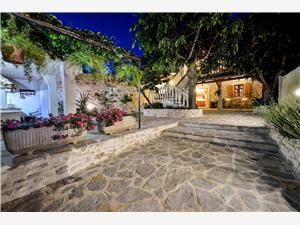 Dům Lupe Sukosan (Zadar), Prostor 120,00 m2, Vzdušní vzdálenost od centra místa 800 m