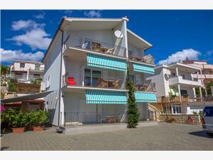 Apartmány Jure Okrug Gornji (Ciovo), Prostor 55,00 m2, Vzdušní vzdálenost od moře 70 m