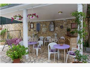 Zimmer MILKA Veli Losinj - Insel Losinj, Größe 24,00 m2, Luftlinie bis zum Meer 100 m, Entfernung vom Ortszentrum (Luftlinie) 500 m