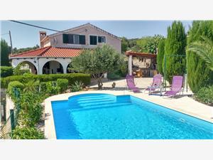 Vila Nika Škrip, Kvadratura 140,00 m2, Smještaj s bazenom, Zračna udaljenost od centra mjesta 250 m