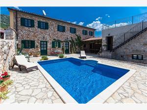 Vila VESNA Bribir, Kvadratura 330,00 m2, Smještaj s bazenom