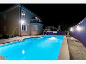 Vila MODERNA Crikvenica, Kvadratura 206,00 m2, Smještaj s bazenom, Zračna udaljenost od centra mjesta 950 m