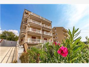 Apartmány LORENA Dramalj (Crikvenica),Rezervujte Apartmány LORENA Od 142 €
