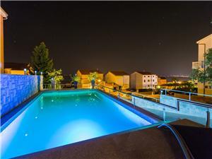 Namestitev z bazenom Reka in Riviera Crikvenica,Rezerviraj Jordanka Od 73 €