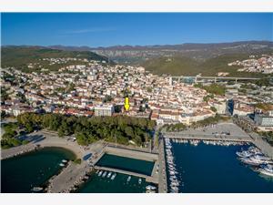 Ferienwohnungen Stross Crikvenica, Größe 60,00 m2, Luftlinie bis zum Meer 50 m, Entfernung vom Ortszentrum (Luftlinie) 20 m