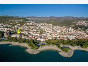 Apartmani VILLA 7 Crikvenica, Kvadratura 27,00 m2, Zračna udaljenost od mora 40 m, Zračna udaljenost od centra mjesta 150 m