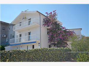 Apartmanok Šime Srima (Vodice), Méret 70,00 m2, Légvonalbeli távolság 120 m, Központtól való távolság 400 m