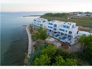 Willa Palme Privlaka (Zadar), Powierzchnia 128,36 m2, Odległość do morze mierzona drogą powietrzną wynosi 10 m, Odległość od centrum miasta, przez powietrze jest mierzona 200 m