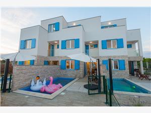 вилла Lily Privlaka (Zadar), квадратура 145,35 m2, размещение с бассейном, Воздуха удалённость от моря 10 m