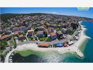 Lägenheter Sunce Okrug Gornji (Ciovo), Storlek 45,00 m2, Luftavstånd till havet 20 m