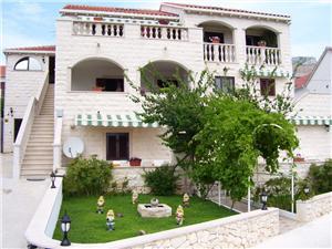 Appartementen Fani Bol - eiland Brac, Kwadratuur 34,00 m2, Lucht afstand tot de zee 150 m, Lucht afstand naar het centrum 150 m