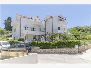 Апартаменты Jacky Hvar - ostrov Hvar, квадратура 38,00 m2, Воздуха удалённость от моря 100 m, Воздух расстояние до центра города 250 m