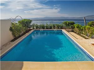 Objekt Violet Supetar - otok Brač, Kvadratura 70,00 m2, Smještaj s bazenom, Zračna udaljenost od mora 5 m