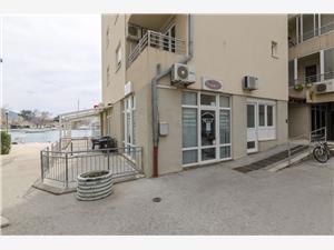 Ferienwohnung Antonela Omis, Größe 25,00 m2, Entfernung vom Ortszentrum (Luftlinie) 500 m